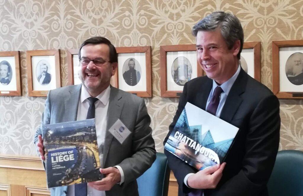 Willy Demeyer, Président de l'Efus, rencontre le Maire de Chattanooga (États-Unis)